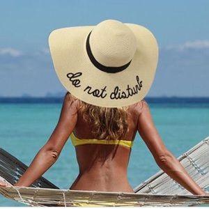 """""""Do not disturb"""" Beach hat"""